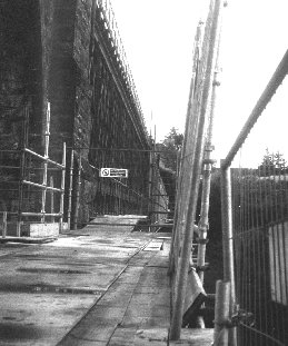 Construction of the Shin Viaduct footpath